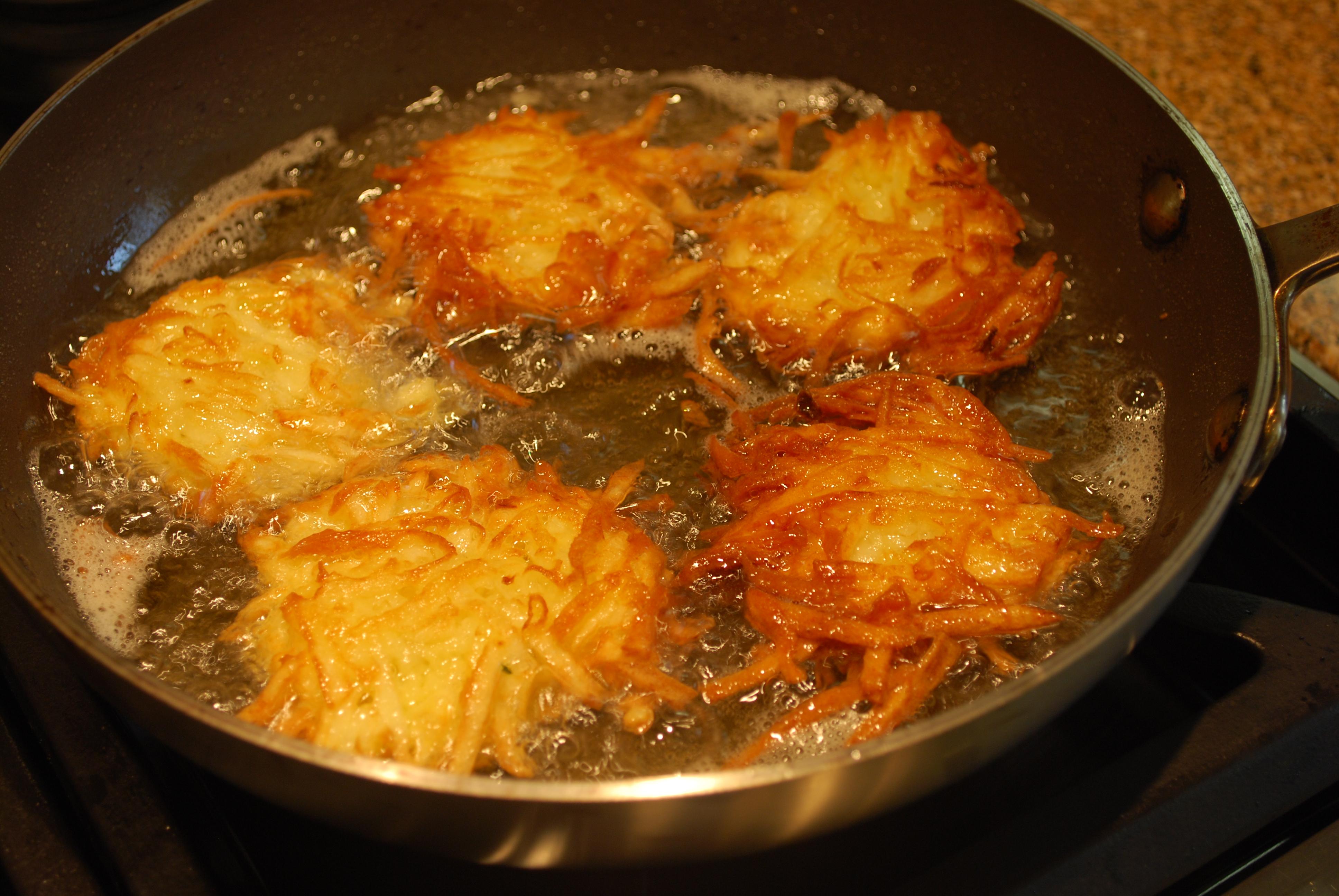 Chanukah Potato Latkes | The Boreka Diary